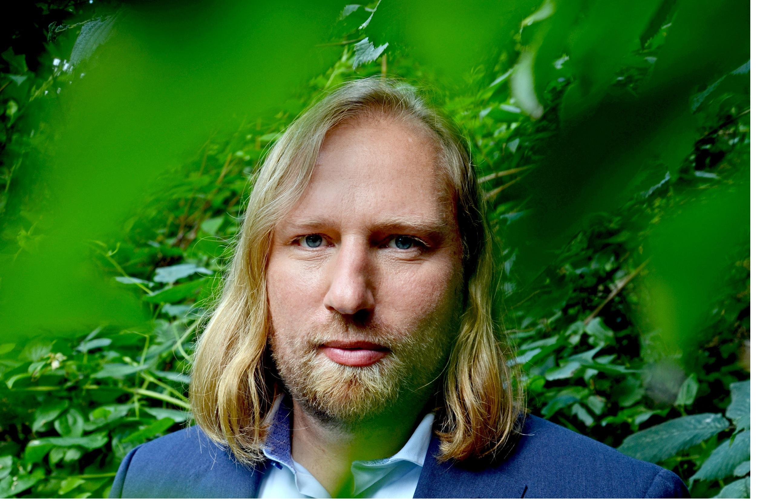 Mit Toni Hofreiter den Bio-Bauernhof erkunden